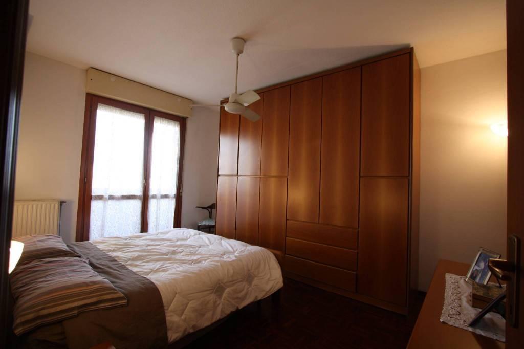Appartamento in vendita a Sedriano, 4 locali, prezzo € 175.000 | CambioCasa.it