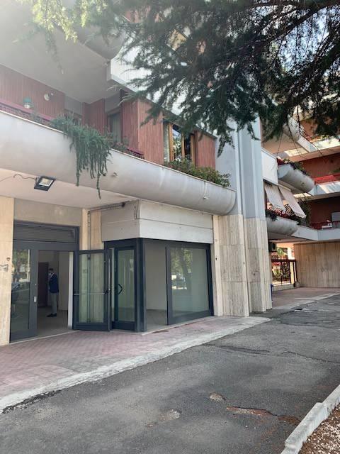 Attivita'-licenza in Affitto a Foggia Semicentro: 120 mq