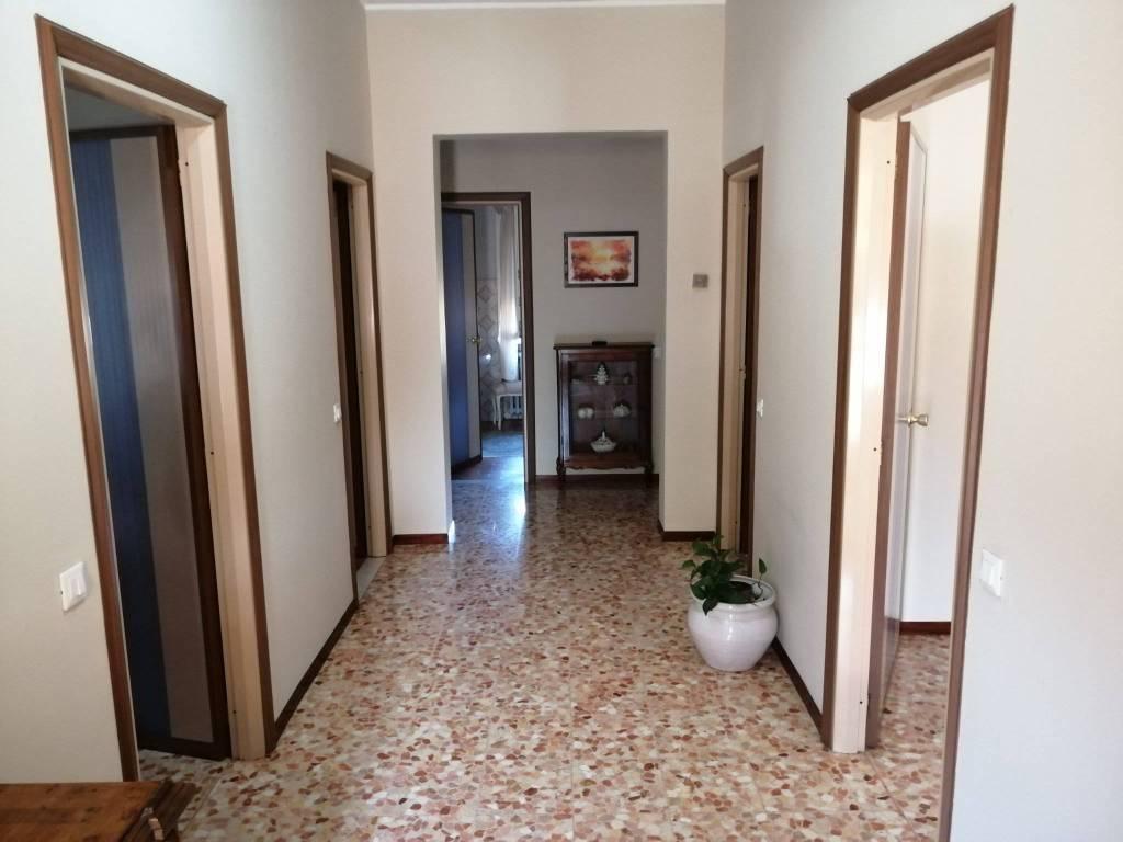 A Sabbioneta in Vendita Villa