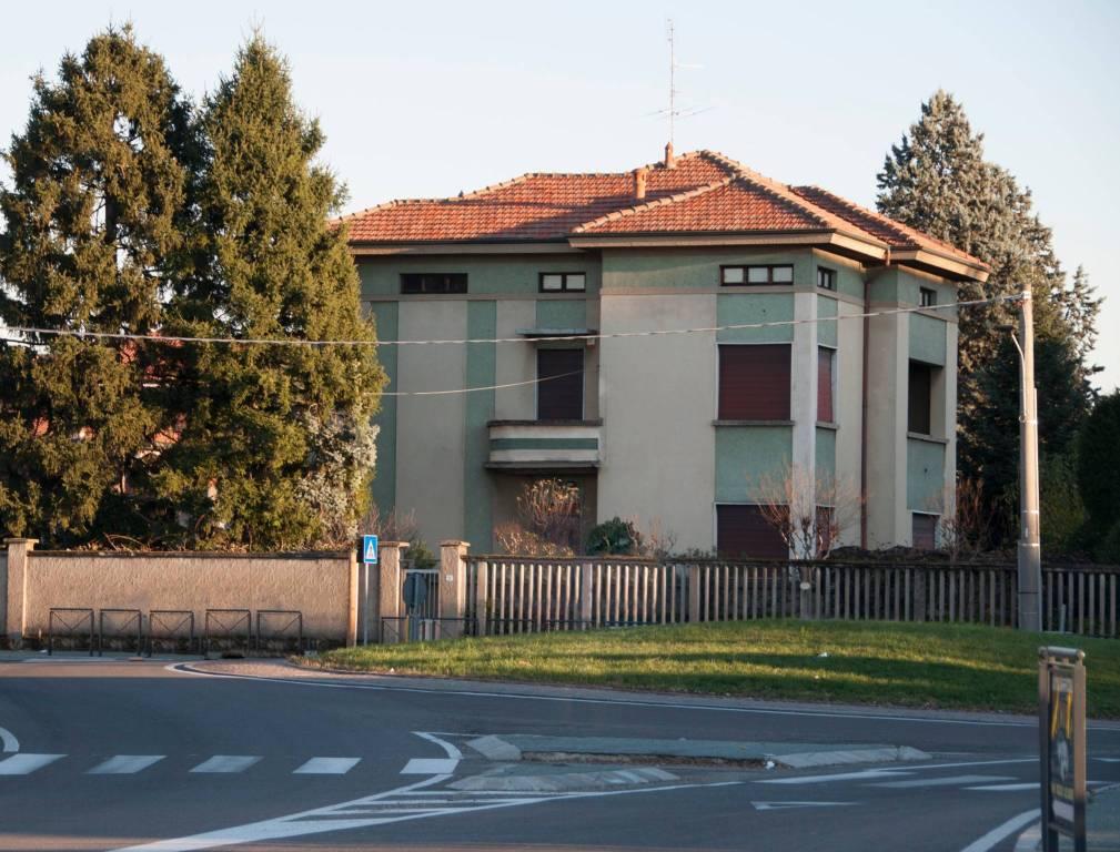Palazzo / Stabile in Vendita a San Vittore Olona