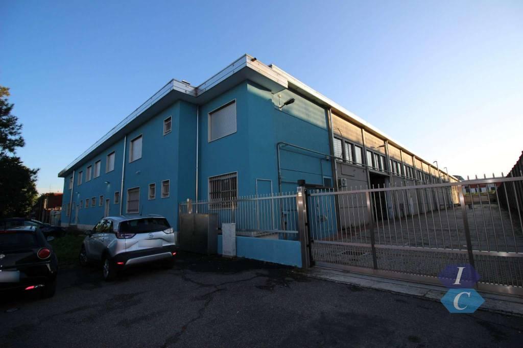 Capannone in affitto a Rho, 6 locali, prezzo € 7.083 | CambioCasa.it
