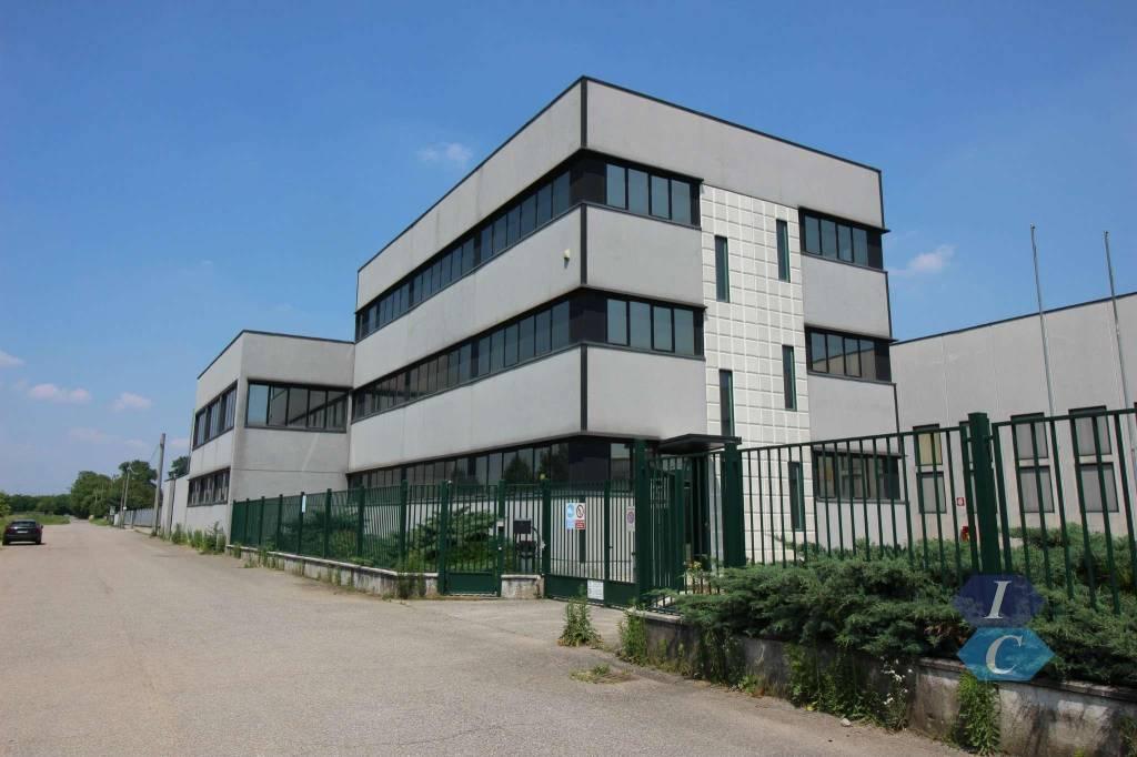 Ufficio / Studio in affitto a Lainate, 6 locali, prezzo € 8.333 | CambioCasa.it