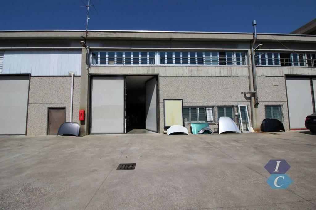 Capannone in vendita a Pogliano Milanese, 6 locali, prezzo € 550.000 | CambioCasa.it