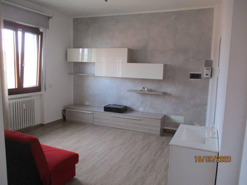 Appartamento in vendita a Corsico, 2 locali, prezzo € 155.000   CambioCasa.it