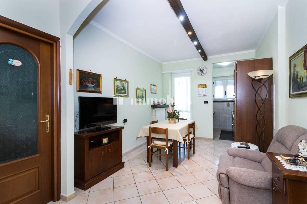 Appartamento in vendita a Grugliasco, 3 locali, prezzo € 135.000 | CambioCasa.it