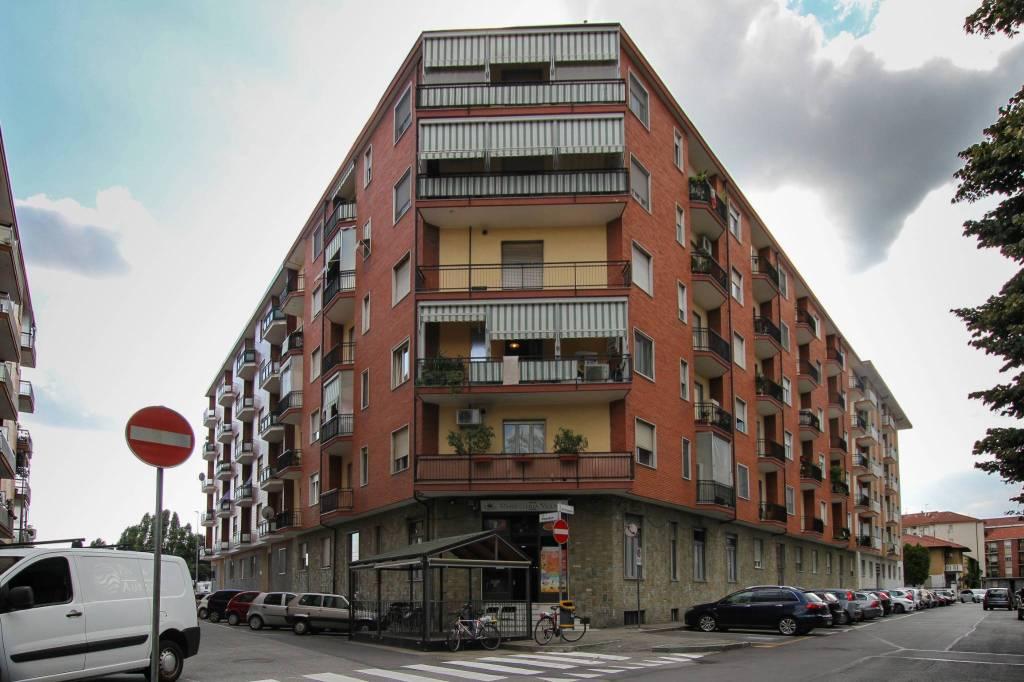 Appartamento in vendita a Nichelino, 3 locali, prezzo € 89.000 | CambioCasa.it