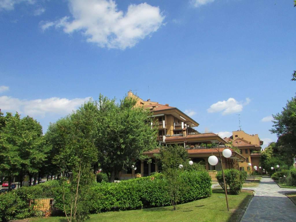 Appartamento in vendita a Peschiera Borromeo, 5 locali, prezzo € 570.000   CambioCasa.it