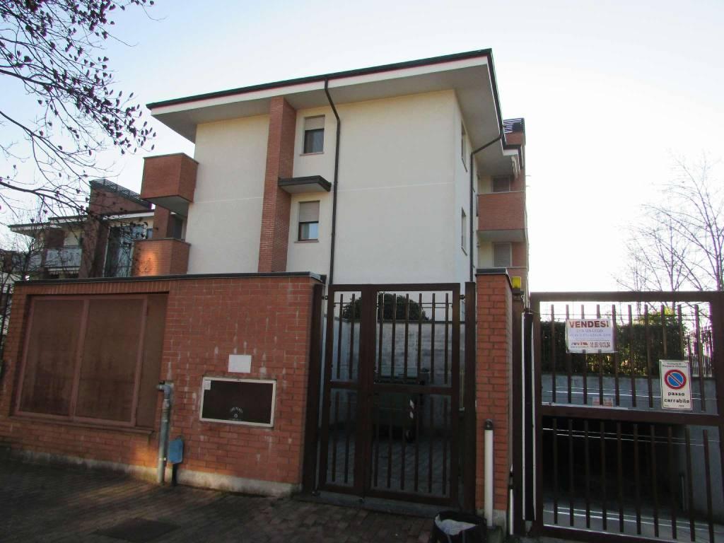 Box / Garage in vendita a Pregnana Milanese, 9999 locali, prezzo € 14.000   CambioCasa.it