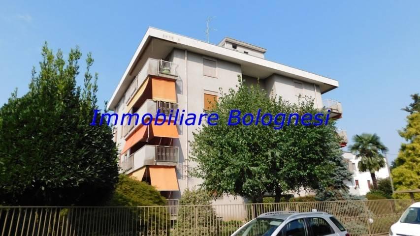 Appartamento in vendita a Cardano al Campo, 3 locali, prezzo € 158.000 | CambioCasa.it