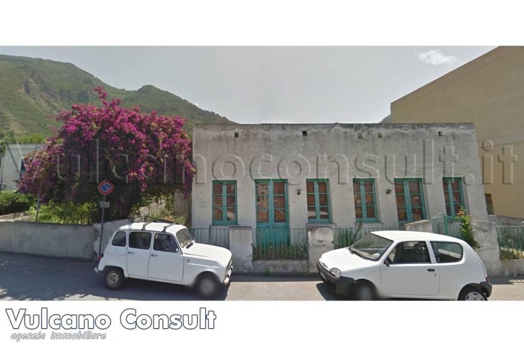Villa in vendita a Malfa, 6 locali, prezzo € 340.000 | CambioCasa.it
