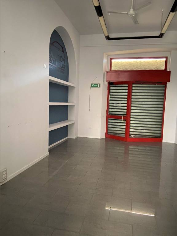 Negozio / Locale in affitto a Varese, 1 locali, prezzo € 900 | PortaleAgenzieImmobiliari.it