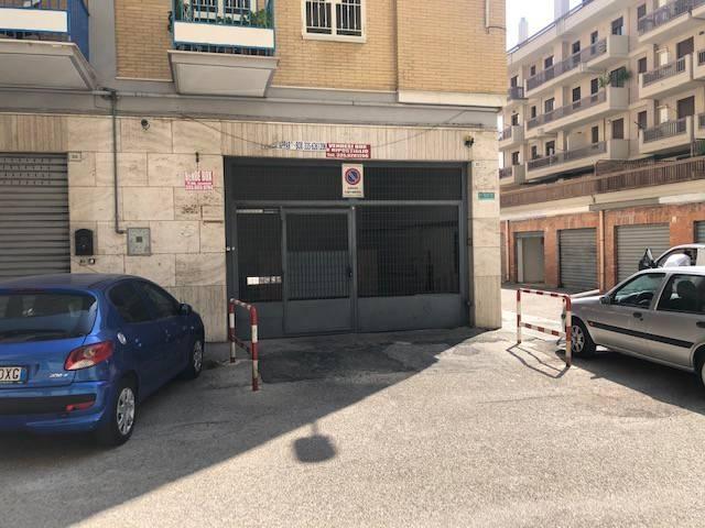 Posto-box auto in Vendita a Foggia: 25 mq