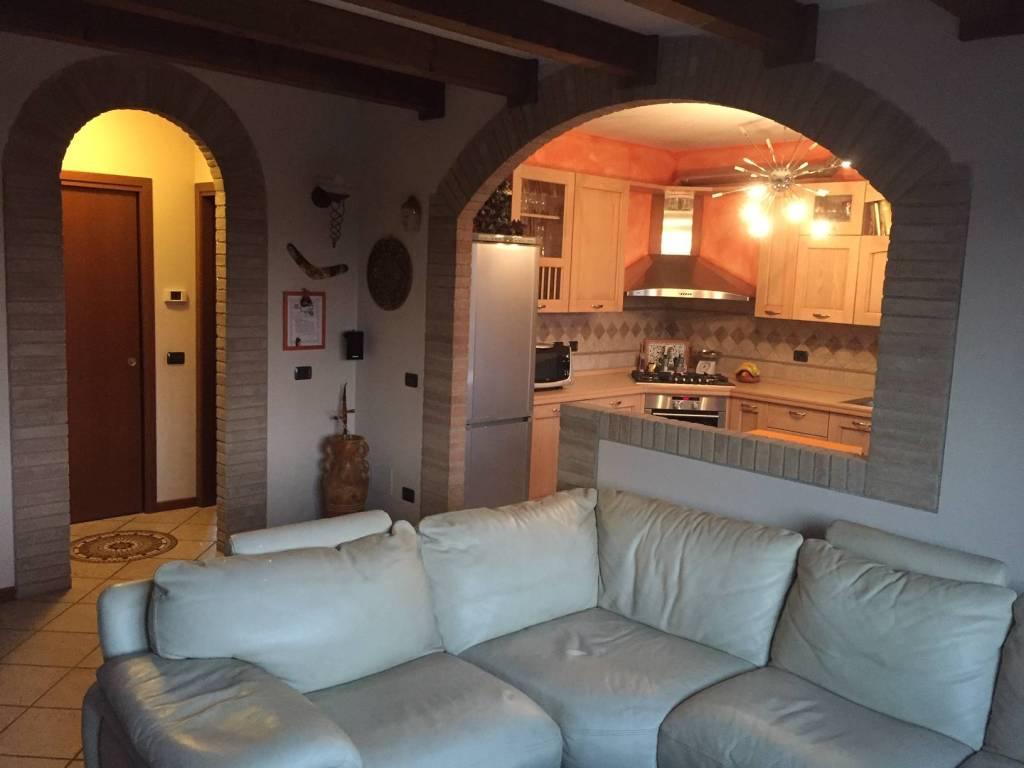 Appartamento in vendita a Zelo Buon Persico, 3 locali, prezzo € 165.000 | PortaleAgenzieImmobiliari.it