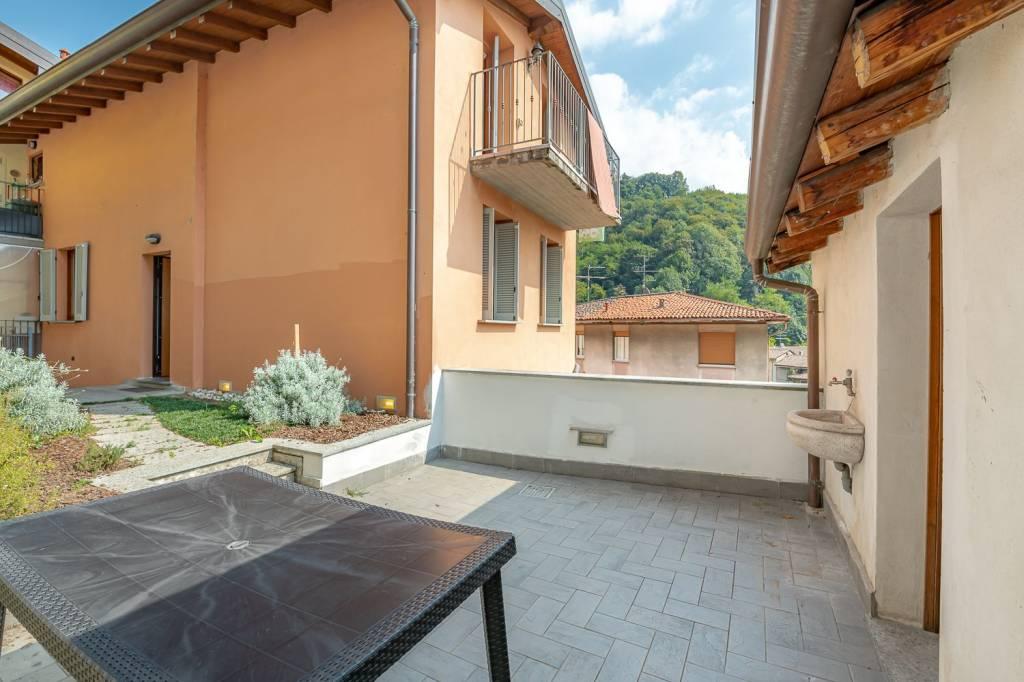 Appartamento in vendita a Lecco, 3 locali, prezzo € 150.000 | CambioCasa.it