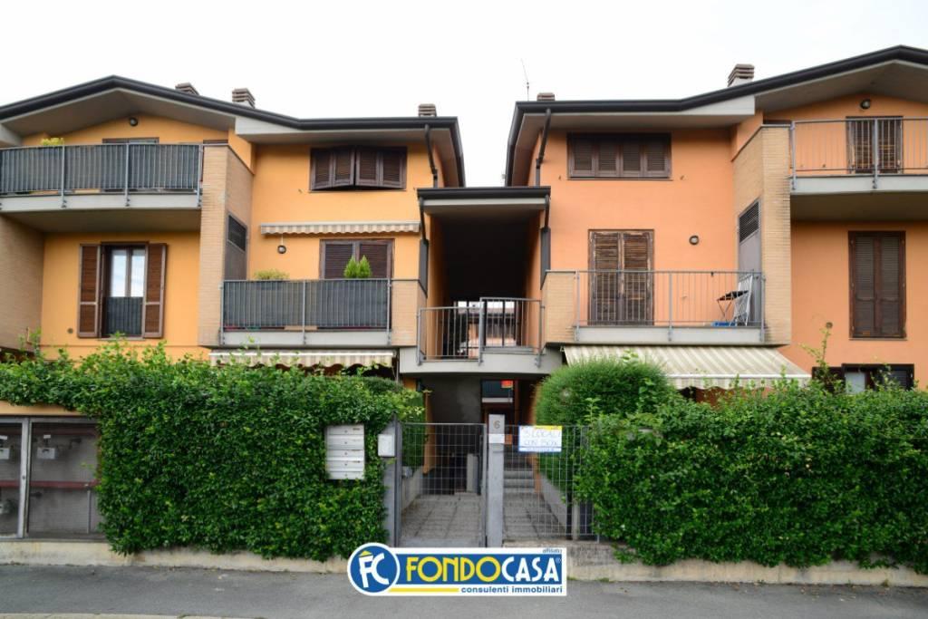 Appartamento in vendita a San Vittore Olona, 3 locali, prezzo € 135.000 | CambioCasa.it