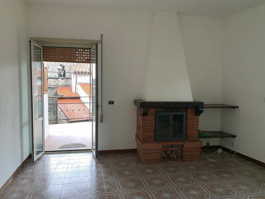 Appartamento in vendita a Pastena, 4 locali, prezzo € 55.000 | CambioCasa.it