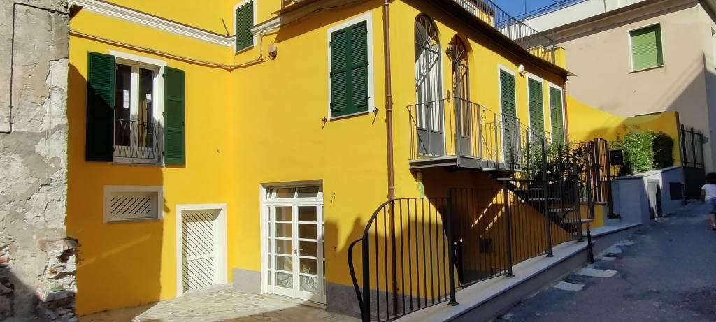 Appartamento in vendita a Noli, 3 locali, prezzo € 800.000 | PortaleAgenzieImmobiliari.it