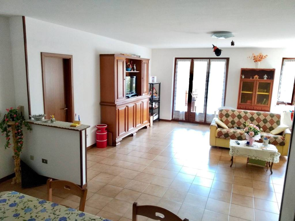 Foto appartamento in vendita a Comano Terme (Trento)