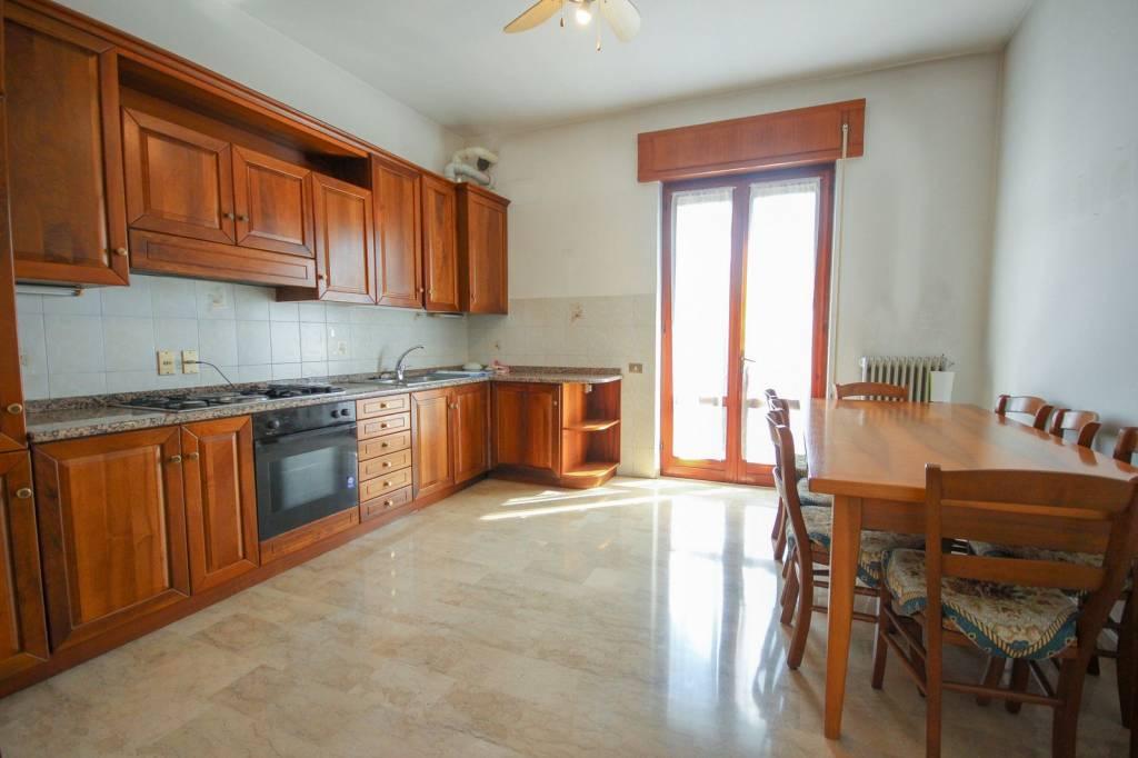 Appartamento in vendita a Quinto Vicentino, 5 locali, prezzo € 115.000 | CambioCasa.it