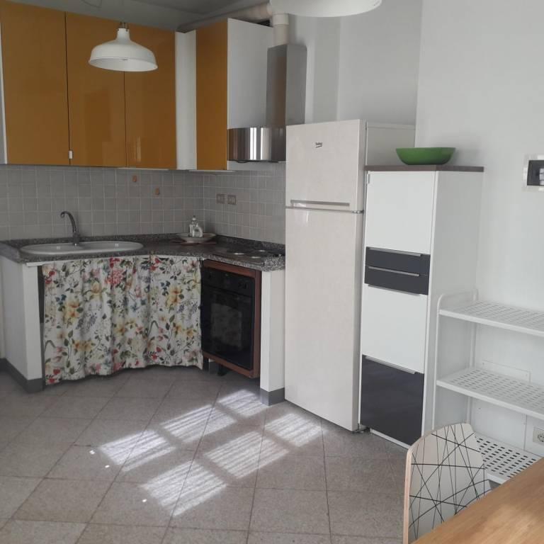 Appartamento in Affitto a Pisa Centro: 4 locali, 80 mq