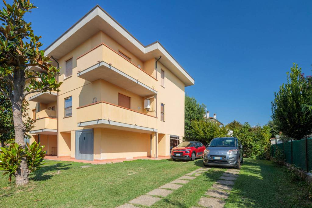 Appartamento in Vendita a Calcinaia Centro: 3 locali, 83 mq