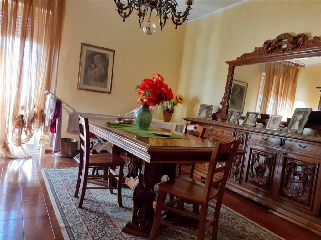 Appartamento in Vendita a San Pietro Clarenza Centro: 5 locali, 120 mq