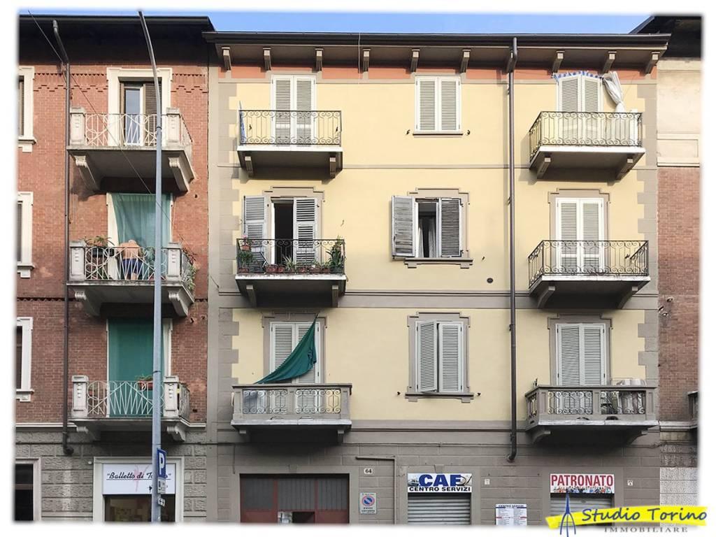 Foto 1 di Palazzo / Stabile Torino (zona Barriera Milano, Falchera, Barca-Bertolla)