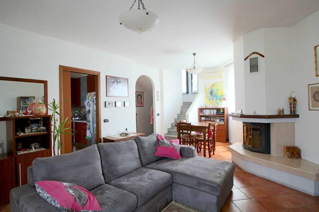 Villa a Schiera in vendita a Buscate, 4 locali, prezzo € 250.000   PortaleAgenzieImmobiliari.it