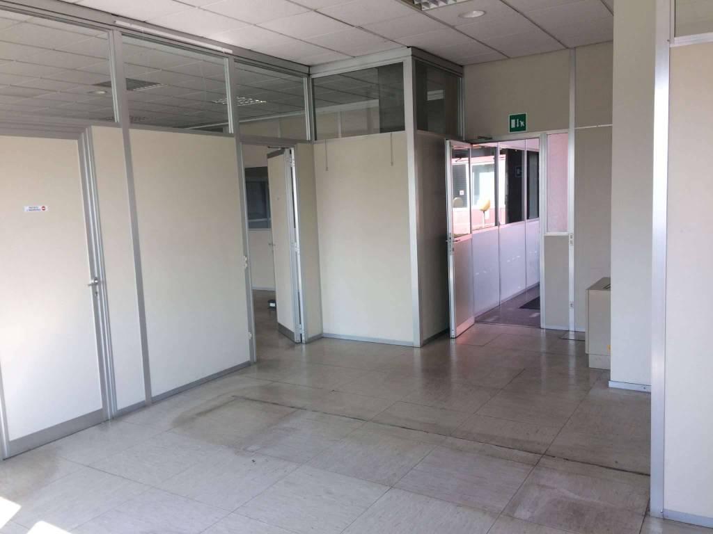 Ufficio / Studio in affitto a Andezeno, 5 locali, prezzo € 900 | PortaleAgenzieImmobiliari.it