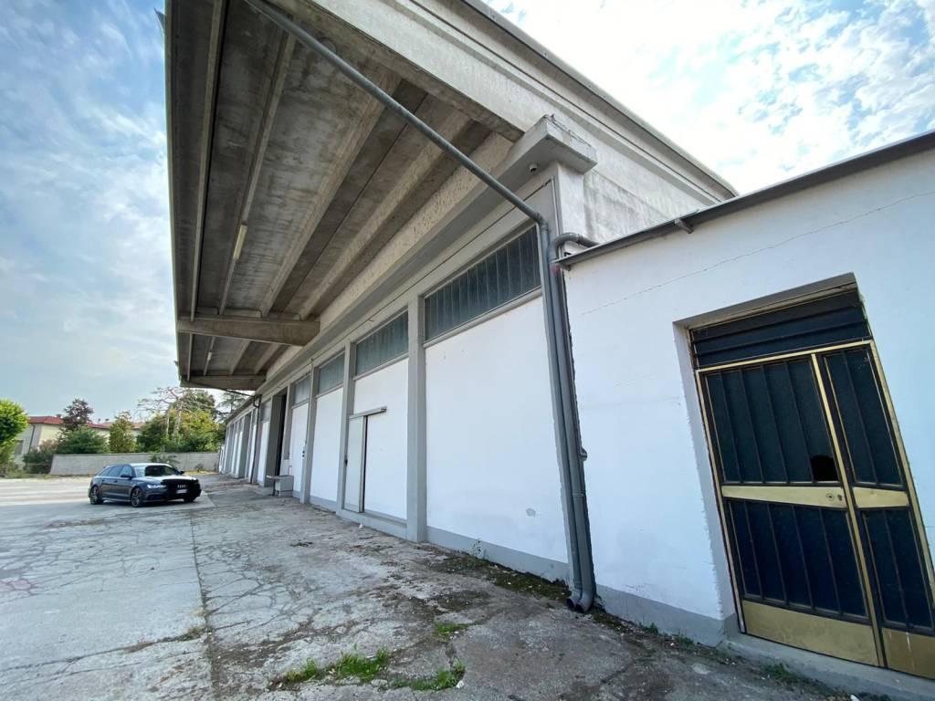 Capannone in vendita a Leno, 4 locali, prezzo € 450.000 | PortaleAgenzieImmobiliari.it