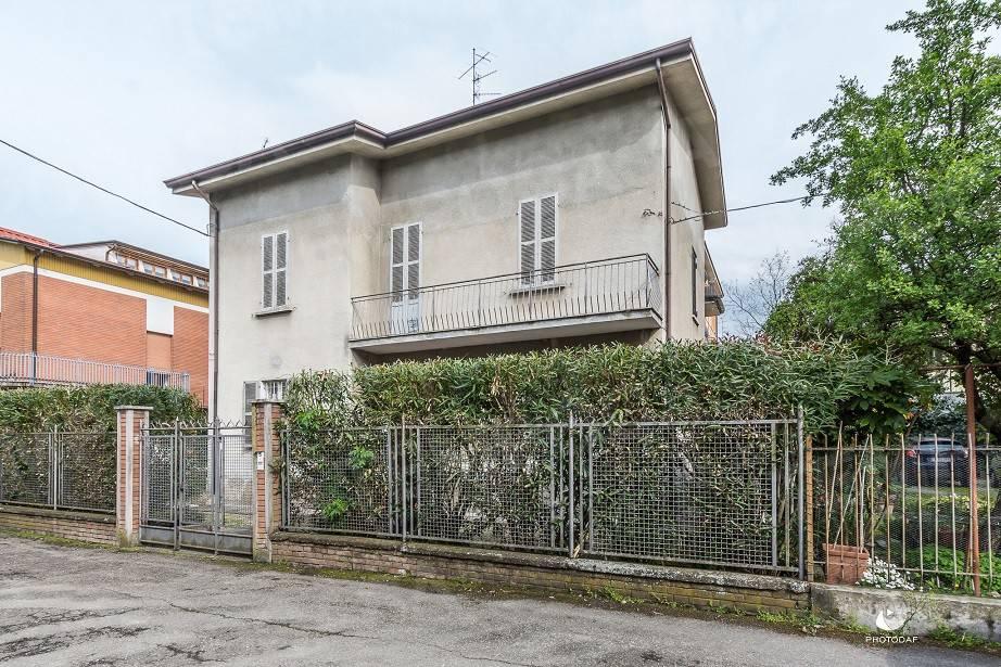 Villa in Vendita a Reggio Emilia: 5 locali, 433 mq