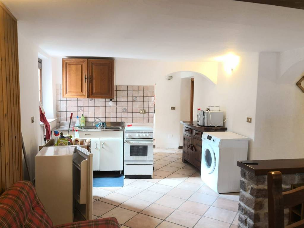 Appartamento in vendita a Edolo, 3 locali, prezzo € 65.000 | CambioCasa.it