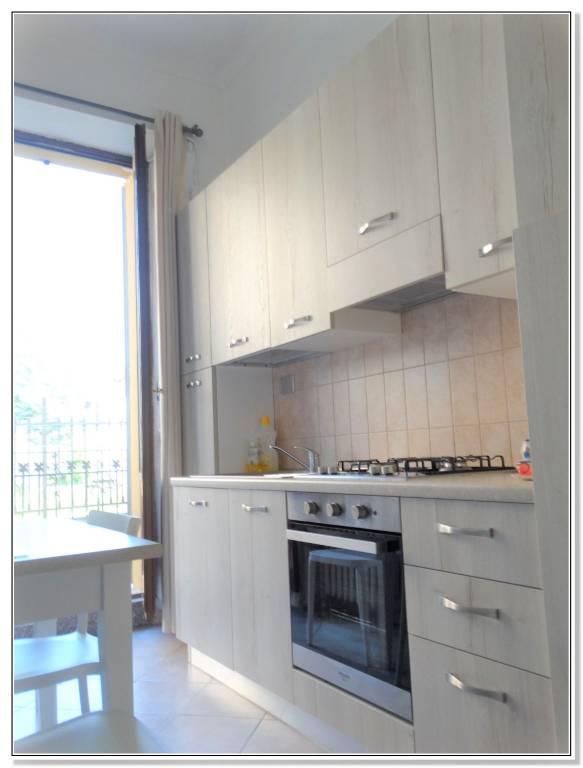 Appartamento in buone condizioni in affitto Rif. 8029225