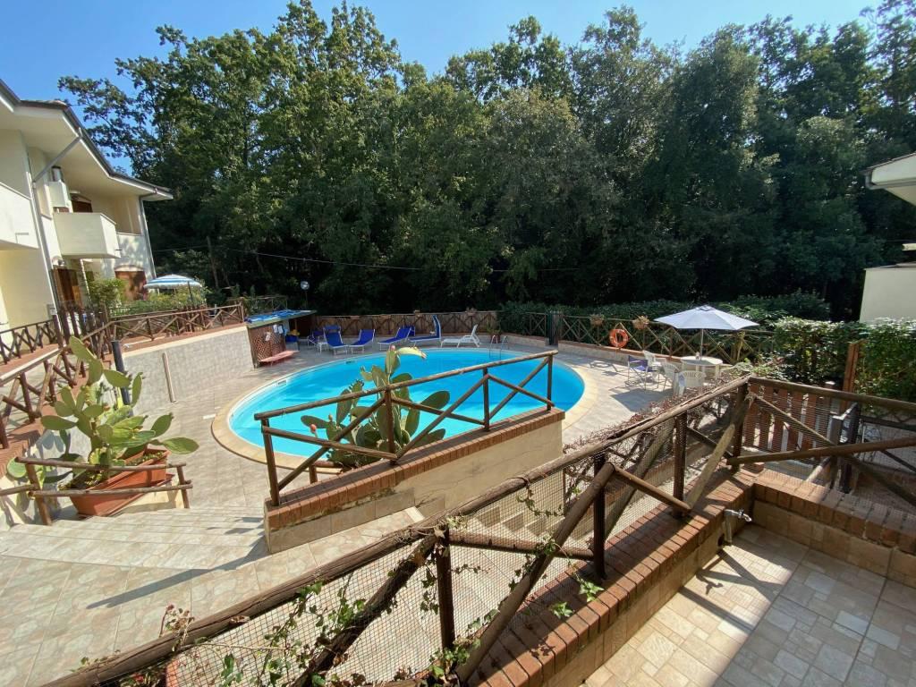 Villetta a schiera in ottime condizioni arredato in affitto Rif. 8675914