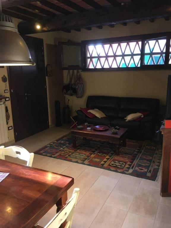 Appartamento in Vendita a Pontedera Semicentro: 3 locali, 60 mq