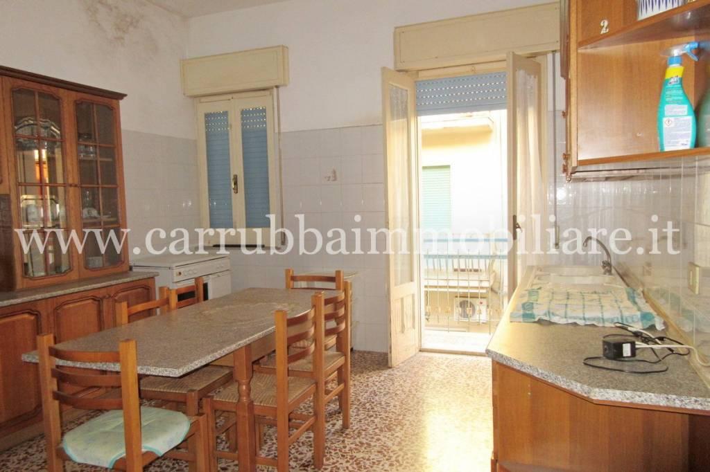 Appartamento in buone condizioni in vendita Rif. 8775867