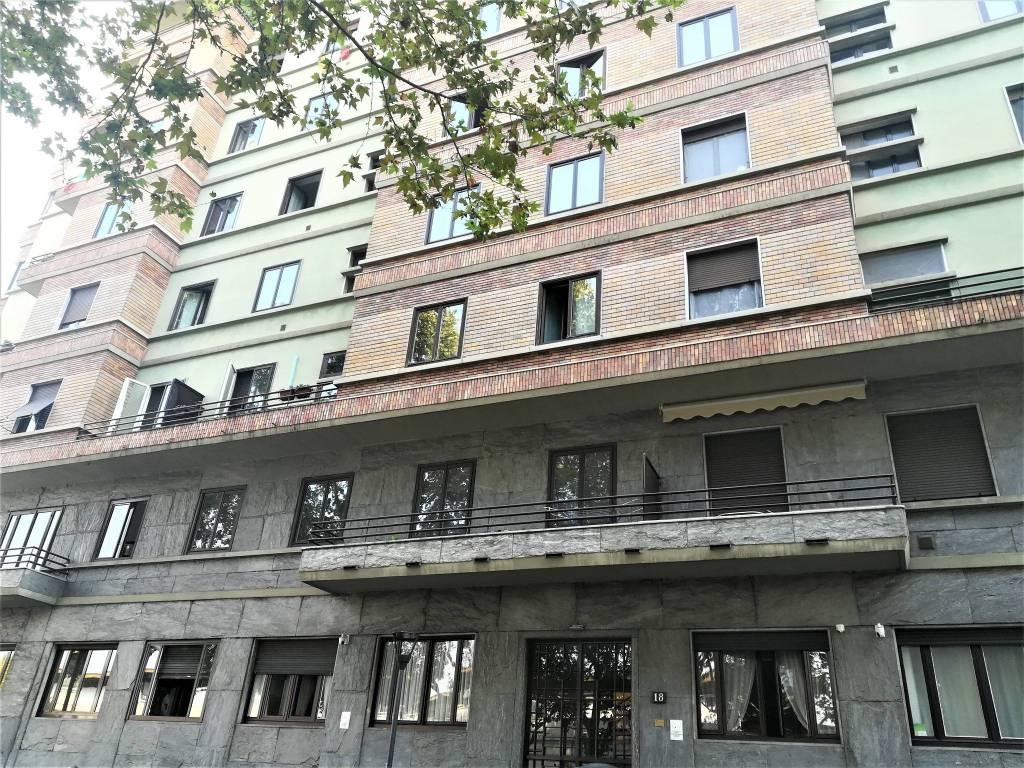 Ufficio-studio in Affitto a Milano 02 Brera / Volta / Repubblica: 3 locali, 103 mq