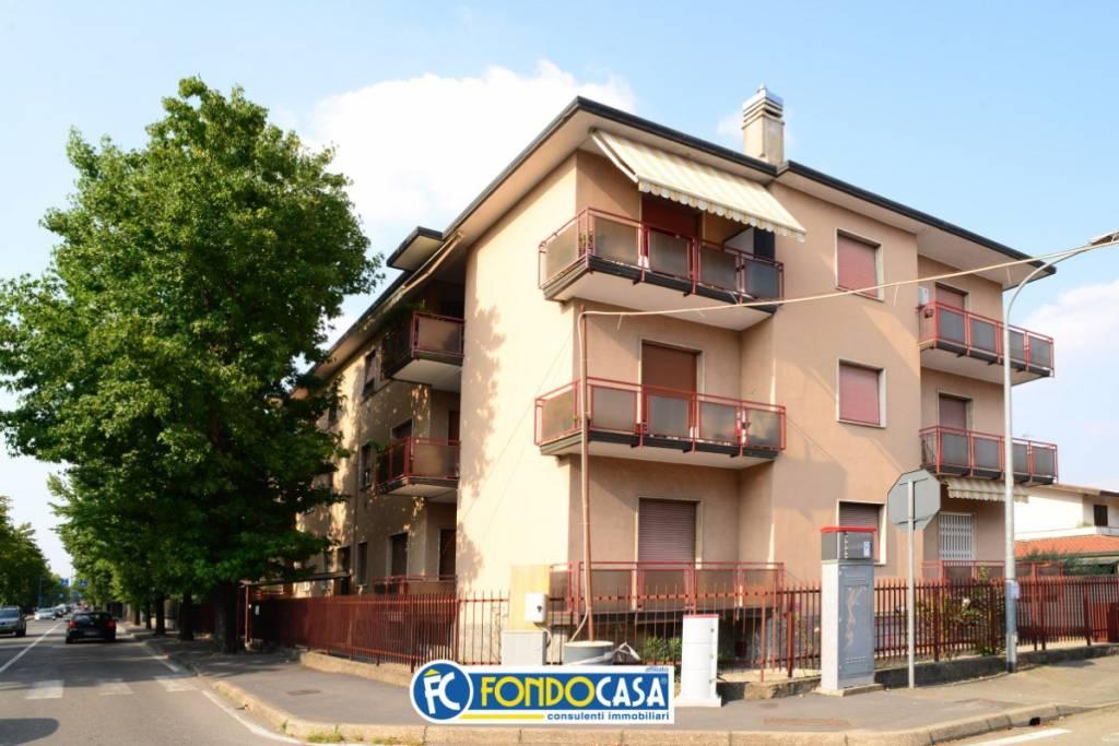 Appartamento in vendita a Cerro Maggiore, 3 locali, prezzo € 70.000 | CambioCasa.it