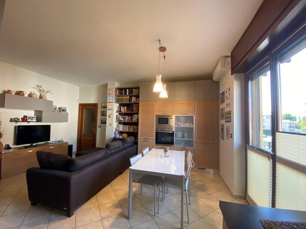 Appartamento in vendita a Beinasco, 3 locali, prezzo € 179.000   CambioCasa.it