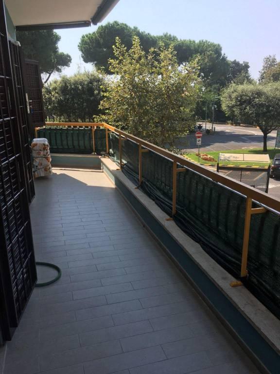 Appartamento in vendita a Ladispoli, 2 locali, prezzo € 195.000 | CambioCasa.it