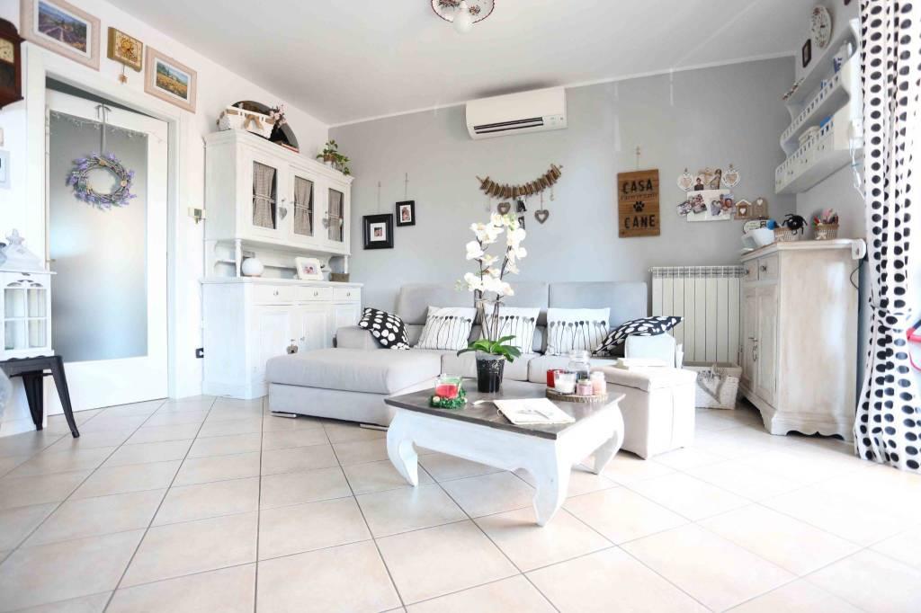 Appartamento in vendita a Turano Lodigiano, 3 locali, prezzo € 120.000 | PortaleAgenzieImmobiliari.it
