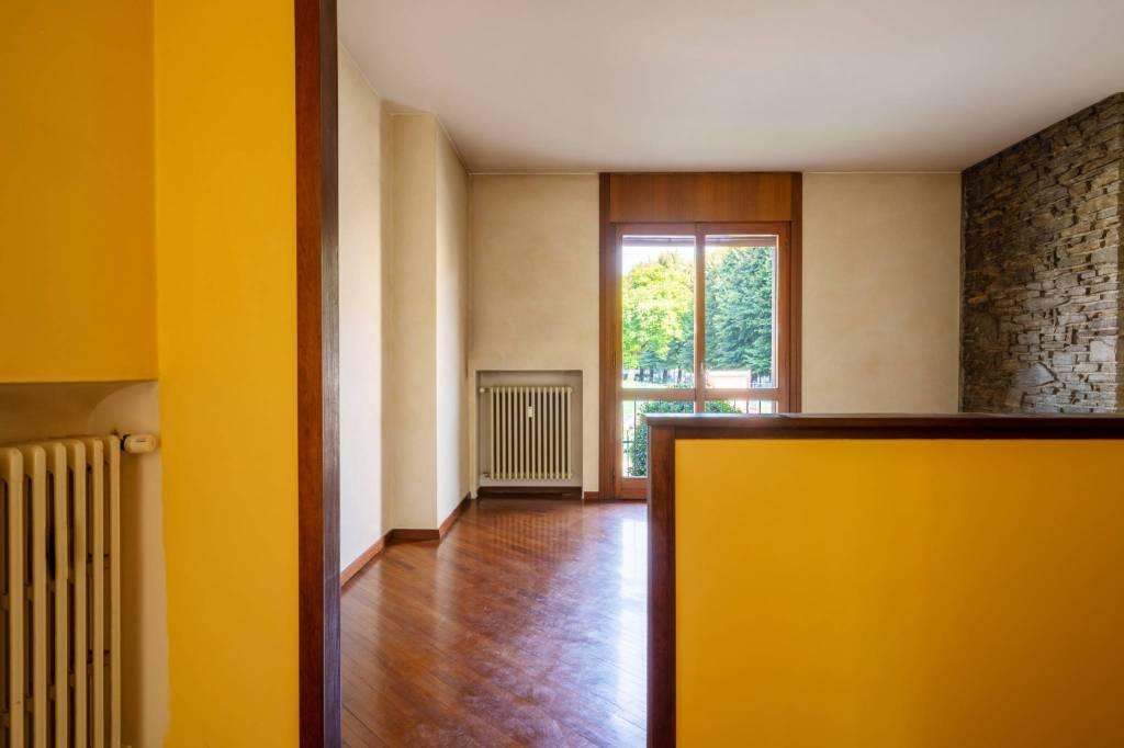 Appartamento in buone condizioni in vendita Rif. 8885441