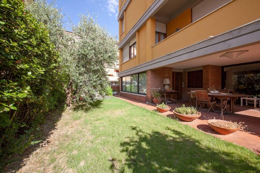 Appartamento in Vendita a Pontedera Centro:  5 locali, 305 mq  - Foto 1