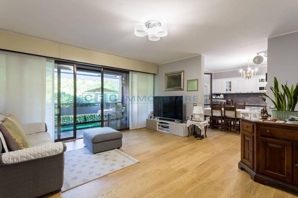 Appartamento in vendita a Basiglio, 4 locali, prezzo € 460.000 | CambioCasa.it