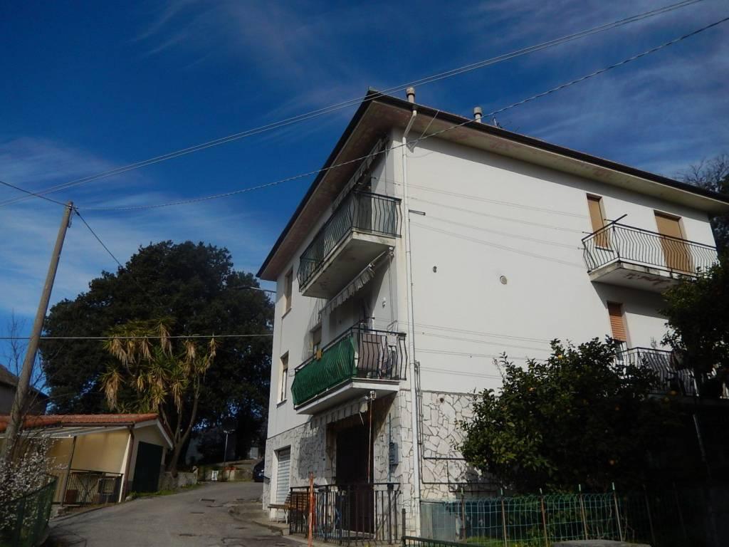 Appartamento in vendita a Sestri Levante, 4 locali, prezzo € 195.000 | PortaleAgenzieImmobiliari.it