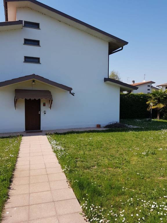 Villa in vendita a Bereguardo, 5 locali, prezzo € 265.000 | PortaleAgenzieImmobiliari.it
