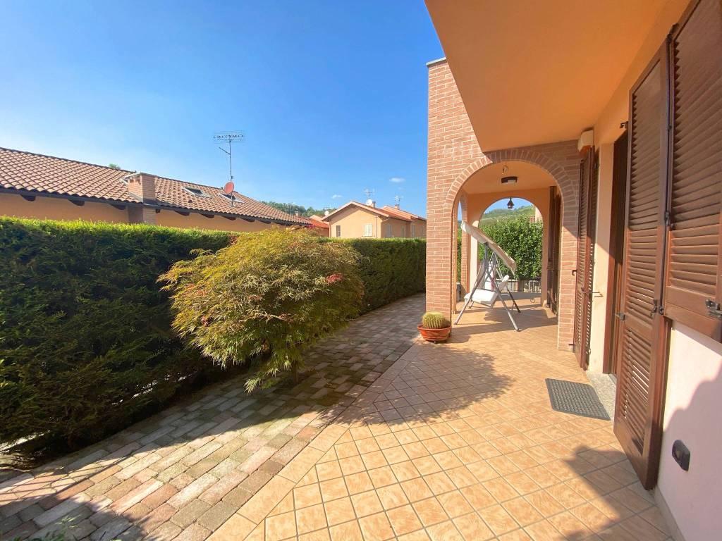 Appartamento in vendita a Pocapaglia, 4 locali, prezzo € 200.000 | CambioCasa.it