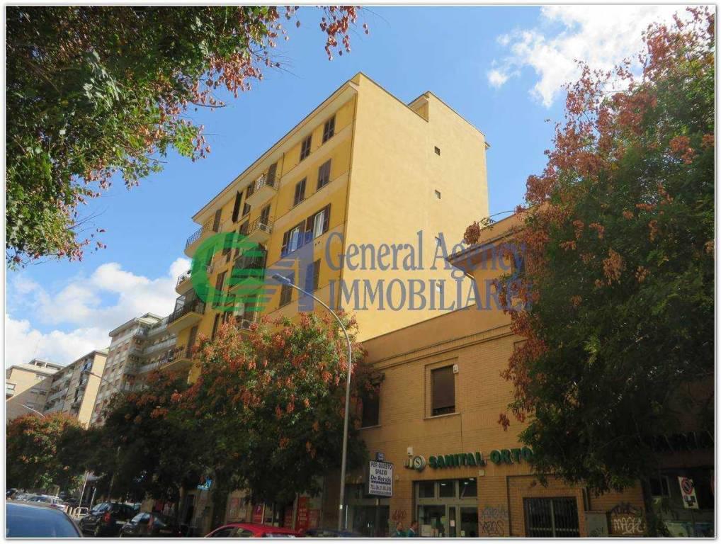 Appartamento in vendita a Roma, 2 locali, zona Zona: 17 . Aventino, San Saba , Piramide, prezzo € 250.000 | CambioCasa.it