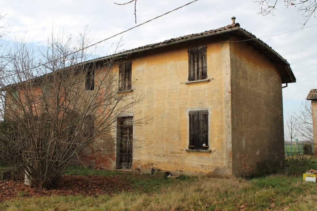 Soluzione Indipendente in vendita a Baricella, 9 locali, prezzo € 39.000   CambioCasa.it