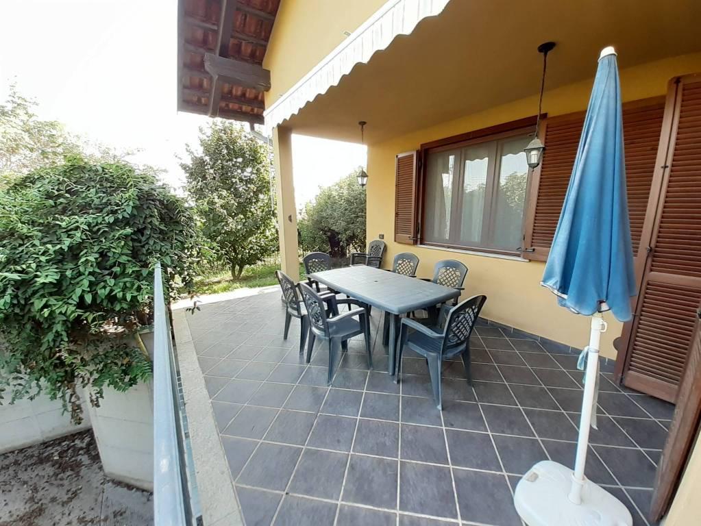 Villa in vendita a Buttigliera d'Asti, 5 locali, prezzo € 245.000 | CambioCasa.it